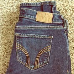 Dark wash Laguna Skinny size 1S Great condition! No rips or tears! Barely worn Hollister Jeans Skinny
