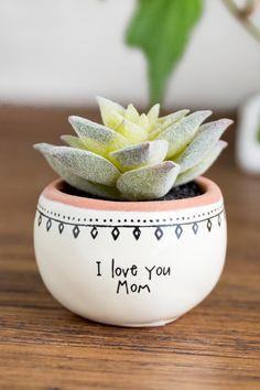 Painted Plant Pots, Painted Flower Pots, Pottery Painting, Diy Painting, Plants In Bottles, Flower Box Gift, Flower Pot Design, Hanging Succulents, House Plants Decor