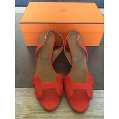 c4d3fc34125d orange Plain Leather HERMÈS Sandals - Vestiaire Collective