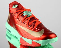Nike KD VI 6 Christmas Mens Basketball Shoes Low KD 6 New Green Crimson  Gold  4012a4f8942