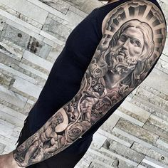 tatuajes cristianos para hombres brazo