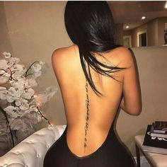 Nice ideas for tattoos to dress the back - Tattoo Trends 2019 Girl Spine Tattoos, Spine Tattoos For Women, Body Art Tattoos, Girl Tattoos, Sister Tattoos, Spine Quote Tattoos, Female Spine Tattoos, Female Tattoos Small, Rib Cage Tattoos