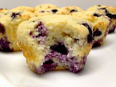 Blueberry Lemon Muffins - Keto, Low Carb & Gluten Free Light and fluffy muffins studded with sweet blueberries and a hint of freshness from lemon zest! Blueberry Bagel, Keto Blueberry Muffins, Lemon Muffins, Blue Berry Muffins, Low Carb Bread, Low Carb Keto, Low Carb Recipes, Keto Bread, Flour Recipes