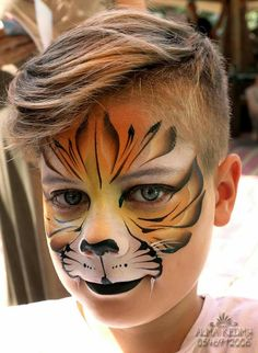 Tiger one stroke face paint Tiger Face Paints, Mask Face Paint, Face Paint Makeup, Tiger Makeup, Face Painting For Boys, Face Painting Designs, Love Painting, Painting Tutorials, Animal Face Paintings