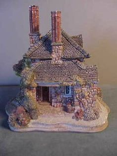 VINTAGE LILLIPUT LANE PORCELAIN MINIATURE HOUSE - DIAMOND COTTAGE BLAISE HAMLET