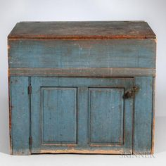 Blue-painted Pine Lidded Dry Sink, New England, century Primitive Homes, Primitive Bathrooms, Primitive Kitchen, Primitive Antiques, Country Primitive, Primitive Bedroom, Primitive Furniture, Country Furniture, Antique Furniture
