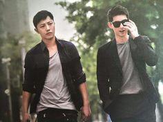 Jin Goo and Song Joong-ki Seo Dae-young and Yoo Shi-jin Descendants of the sun Song Hye Kyo, Song Joong Ki, Asian Actors, Korean Actors, Korean Dramas, Seo Dae Young, Kdrama, Decendants Of The Sun, Oppa Gangnam Style