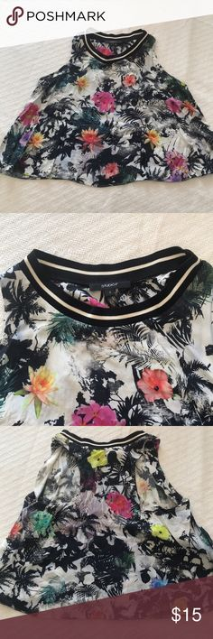 Studio F flower print blouse. Sporty neck lining. Unique, elegant, versatile top. Black, white, yellow and pink patterned. Perfect to dress up or for casual look. 💯 Viscose fabric Studio F Tops Tank Tops