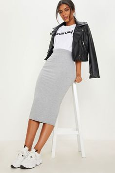 Long Skirt Outfits, Winter Skirt Outfit, Casual Pencil Skirt Outfits, Casual Skirts, Outfit With Skirt, Black Pencil Skirt Outfit, White Skirt Outfits, Midi Skirt Casual, Dress Skirt