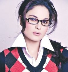 Bollywood Actress Veena Malik History / Bio
