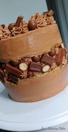 Fault line Cake, Chocolate version, Dark Chocolate Cake with Nutella Buttercream Nutella, Bithday Cake, Dark Chocolate Cakes, Cake Trends, Cake Decorating Techniques, Drip Cakes, Buttercream Cake, Fancy Cakes, Savoury Cake