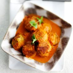 Kasvisruoka x 9 Vegetarian Recepies, Vegetarian Food, Falafel, Tandoori Chicken, Deli, Wine Recipes, Thai Red Curry, Good Food, Food And Drink