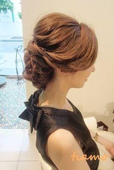 美人花嫁さまのルーズな外人風style♡リハ編 |大人可愛いブライダルヘアメイク『tiamo』の結婚カタログ