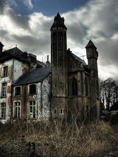 exploring abandoned buildings in Europe