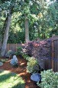 Simple and easy backyard landscaping ideas 47