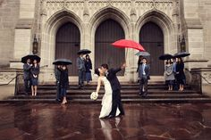 I love this photo! Another great one for if it Rains! Group Photography Ideas: 20 Creative Wedding Poses for Bridal Party Group Photography, Wedding Photography Poses, Wedding Poses, Photography Ideas, Wedding Ideas, Bridal Party Poses, Poses Photo, Rainy Wedding, Photo Couple
