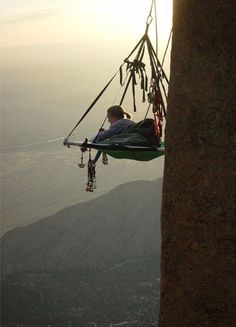 Portaledge: a deployable hanging tent system designed for rock climbers who spend multiple days and nights on a big wall climb. Check out the website to see Yosemite National Park, National Parks, Escalade, Kayak, To Infinity And Beyond, Adventure Is Out There, Adventure Time, Plein Air, Climbers