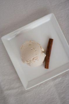 | Vanilla Chai Ice Cream | #recipe #raw #glutenfree http://www.immerwachsen.com/2012/02/01/vanilla-chai-ice-cream-a-winner/