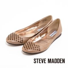 STEVE MADDEN 小鉚釘設計真皮質感細緻小圓頭平底鞋★淺灰棕 - Yahoo!奇摩購物中心$1599