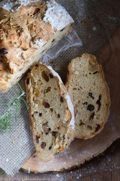 Chleb na sodzie z rozmarynem i jabłkami, rosemary and apple soda bread, #chleb #rozmaryn #sodabread #irish #rosemary #apple