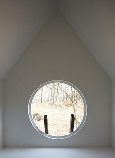// Round Window.