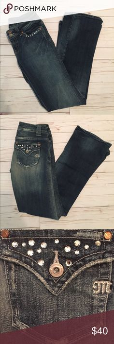 """Miss Me Jeans Studded Size 27 Inseam is 30.5"""" Great condition. No rhinestones missing off the back pockets. One small one is missing off of the front. This is a reposh sadly they were too tight I usually am a 28 🙁. Miss Me Jeans Boot Cut"""