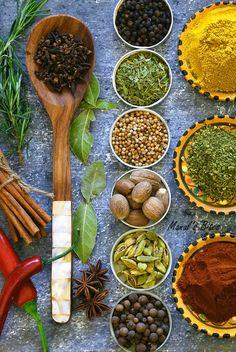 Manal's Bites: Spice that will make every meal nice...April's Daring cooks challenge (Homemade spice blends) خلطات البهارات بالبيت