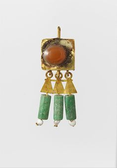 Earring-hook type, with pendants and agate setting. Period: Mid–Late Imperial. Date: 3rd century A.D. Roman, Gold, agate.