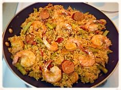 Seafood Paella w/ Portuguese Sausage and Asparagus Paella Food, Seafood Paella, Portuguese Sausage, Paella Recipe, Sprouts, Asparagus, Risotto, Vegetables, Ethnic Recipes