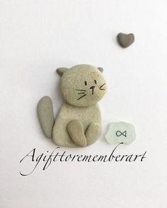 Basteln einfach & basteln mit Kindern. DIY Idee zum Selbermachen. Bild mit Katze aus Steinen.