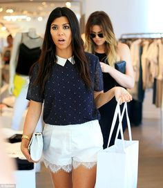 The mom-of-two Kourtney Kardashian emerged triumphant from the store, clutching a large white shopping bag filled with goodies alongside with her sister Khloe Kardashian Estilo Kardashian, Kourtney Kardashian, Kardashian Style, Kardashian Girls, Kardashian Jenner, Claudia Bartelle, Cool Outfits, Fashion Outfits, Women's Fashion