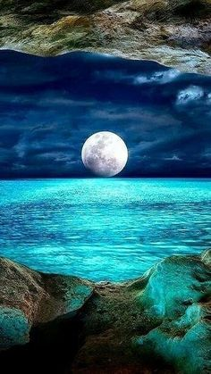 Science Discover Beautiful Moon Over the Ocean Beautiful World Beautiful Images Beautiful Sky Beautiful Ocean Pictures Beautiful Scenery Ciel Nocturne Image Nature Shoot The Moon Nature Pictures Moon Pictures, Nature Pictures, Pretty Pictures, Moon Pics, Pictures Of Water, Ocean Pictures, Moon Images, Moon Photos, Night Pictures