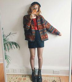 -doc martens -fishnets -black miniskirt -red shirt -oversize patterned jacket or cardigan -black beret -gold hoops 90s Fashion, Retro Fashion, Vintage Fashion, Fashion Outfits, Quirky Fashion, Retro Outfits, Vintage Outfits, Moda Ulzzang, Fall Outfits