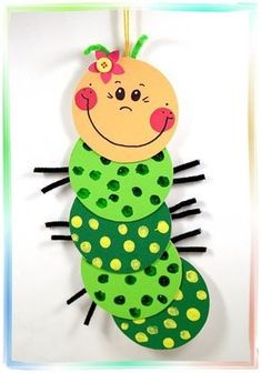 """Fensterbild """"Süße Raupe"""", Basteln mit Kindern You are in the right place about spring crafts for sch Summer Crafts, Diy And Crafts, Arts And Crafts, Preschool Crafts, Easter Crafts, Diy For Kids, Crafts For Kids, Children Crafts, Spring Decoration"""