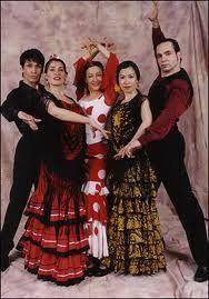 flamenco group. ~/\/\
