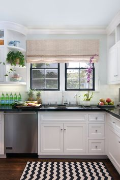 Interior Design By Anna Hackathorn Kitchen Black Counters And White Zig Zag Rug Windows