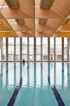 Victoria Leisure Centre, Nottingham | swimming pool and timber roof
