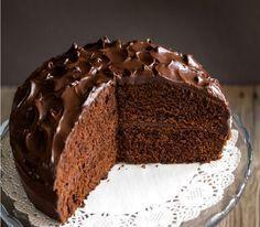 Μαγειρική Archives - Page 5 of 102 - MaryMary. Classic Chocolate Cake Recipe, Chocolate Fudge Frosting, Party Desserts, Sweet Desserts, Sweets Recipes, Cake Recipes, Greek Cake, Greek Sweets, Cake Bars