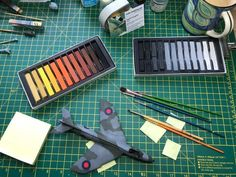 Using pastels to weather paintwork (on military aircraft) - Scale Modelling Now Plastic Model Kits, Plastic Models, Modeling Techniques, Modeling Tips, Best Scale, Hobbies For Kids, Thing 1, Workshop Organization, Military Modelling