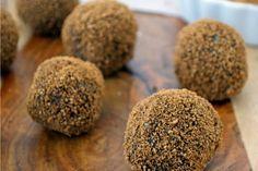 Almond Gingerbread Bites [Vegan, Raw, Gluten-Free] | One Green Planet