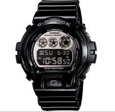 Soyez au top de la tendance avec cette montre G-shock noire portée, entre autres, par Kid Cudi !!
