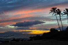 Sunset at Polo Beach in front of the Fairmont Kea Lani Maui Hotel. @fairmontkealani  Photo by www.TadCraigPhotography.com
