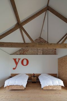 Yo... !!!!!!! Barn Bedrooms, Style Indus, Norfolk, Renovation Grange, Boy Room, Attic, My Dream Home, House Design, Interior Design