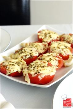 Tomatoes with Thyme & Cheese - Salat Ideen Healthy Breakfast Breads, Tomato Breakfast, Turkish Breakfast, Best Breakfast Recipes, Brunch Recipes, Pancakes And Bacon, Cheddar, Oven Dishes, Turkish Recipes