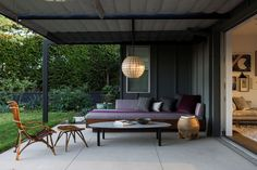 Indoor-Outdoor Living: An LA Ranch Rehab by Barbara Bestor and DISC Interiors (Remodelista: Sourcebook for the Considered Home) Indoor Outdoor Living, Outdoor Spaces, Outdoor Daybed, Fiddle Leaf Fig Tree, Home And Deco, Amazing Gardens, Design Trends, Outdoor Furniture Sets, Garden Furniture