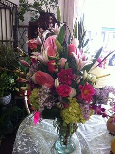 Mixed spring floral arrangement by Robyn