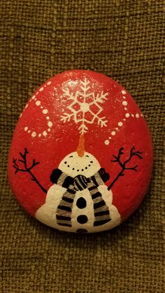 50 Easy DIY Christmas Painted Rock Design Ideas is part of Christmas painting DIY - 50 Easy DIY Christmas Painted Rock Design Ideas Stone Crafts, Rock Crafts, Rock Painting Designs, Paint Designs, Pebble Painting, Pebble Art, Diy Painting, Stone Painting, Snowman Crafts