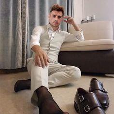 Silk Socks, Sheer Socks, Nylons, Formal Men Outfit, Barefoot Men, Looking Dapper, Black Socks, Male Feet, Dress Socks