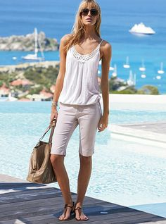 Closet Fashion Content Analysis: Knee-Length Shorts at Work & Play