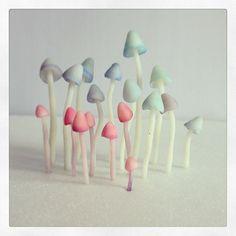 hallucinogènes ?   Polymer clay mushrooms by Céline Roumagnac